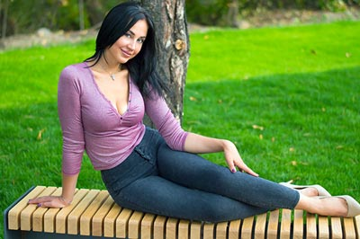 Active wife Natal'ya from Dnipro (Ukraine), 31 yo, hair color black