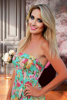 Vigorous wife Natal'ya from Dnipro (Ukraine), 32 yo, hair color blonde