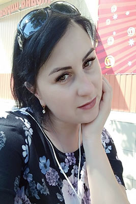 Open lady Ekaterina from Severodonetsk (Ukraine), 34 yo, hair color black