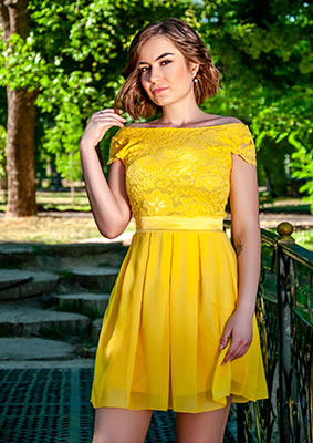 Relationship girl Ekaterina from Dnipro (Ukraine), 25 yo, hair color dark brown