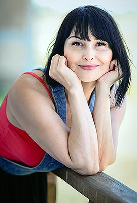 Thankful bride Angelina from Donetsk (Ukraine), 50 yo, hair color black