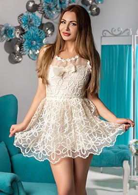 Womanly woman Ilona from Kiev (Ukraine), 35 yo, hair color brown-haired