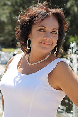 Active woman Oksana from Berdyansk (Ukraine), 55 yo, hair color brown-haired