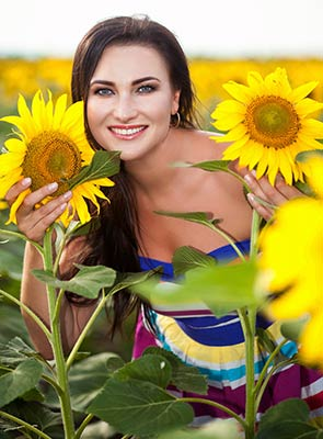 Romantic lady Kseniya from Berdyansk (Ukraine), 36 yo, hair color chestnut