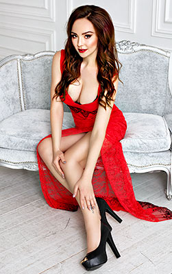 Pleased bride Alina from Kiev (Ukraine), 27 yo, hair color dark brown