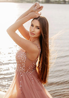 Positive bride Svetlana from Saratov (Russia), 34 yo, hair color brunette