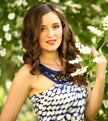 Unpredictable woman Irina from Kherson (Ukraine), 33 yo, hair color brown-haired
