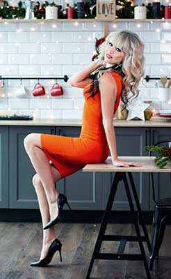 Eager woman Mariya from Kiev (Ukraine), 35 yo, hair color blonde