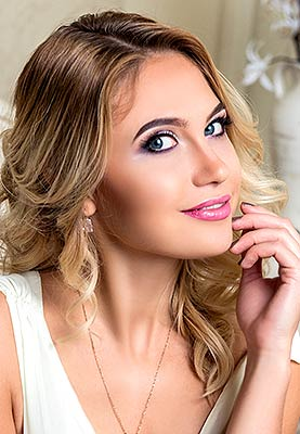 Honest bride Viktoriya from Borispol (Ukraine), 30 yo, hair color blonde