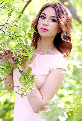 Natural lady Anna from Konstantinovka (Ukraine), 32 yo, hair color chestnut