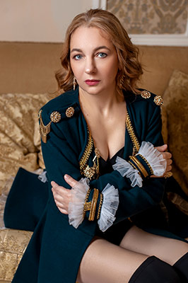 Sincere lady Anna from Odessa (Ukraine), 47 yo, hair color chestnut