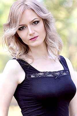 Marriageminded lady Elena from Konstantinovka (Ukraine), 41 yo, hair color light brown