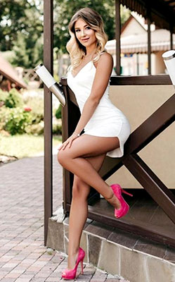 Kind girl Ekaterina from Ivano-Frankovsk (Ukraine), 22 yo, hair color blonde