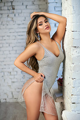 Excited girl Viktoriya from Kiev (Ukraine), 19 yo, hair color light brown