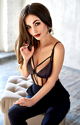 Benevolent girl Angelina from Kiev (Ukraine), 25 yo, hair color brown-haired