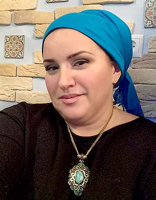 Kind woman Yel'mira from Moscow (Russia), 48 yo, hair color peroxide blonde