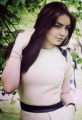 Emotional girl Anna from Simferopol (Russia), 24 yo, hair color dark brown