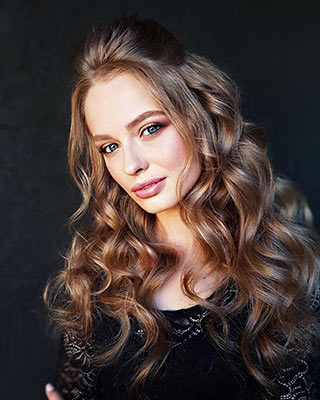 Dreamy bride Yuliya from Kiev (Ukraine), 23 yo, hair color light brown