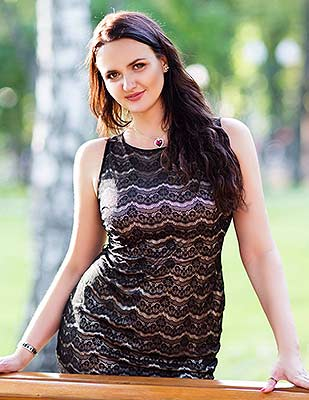 Tenderhearted lady Yuliya from Kharkov (Ukraine), 38 yo, hair color black