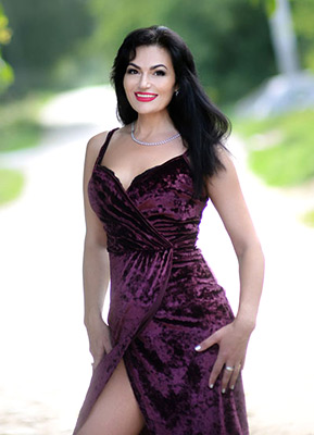 Responsive bride Anna from Kharkov (Ukraine), 46 yo, hair color black