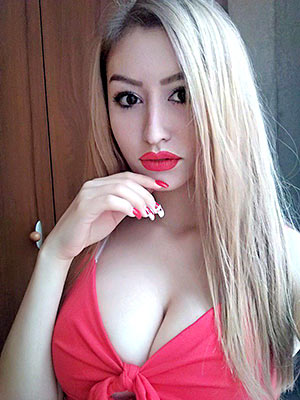 Independent girl Anastasiya from Rostov-na-Donu (Russia), 21 yo, hair color blonde
