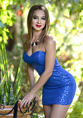 Gentle bride Alina from Kharkov (Ukraine), 22 yo, hair color brown