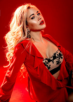 Calm lady Elena from Kharkov (Ukraine), 39 yo, hair color blonde