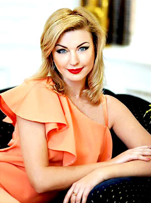 Optimistic lady Elena from Kharkov (Ukraine), 43 yo, hair color blonde