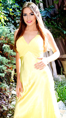 Active lady Marina from Kharkov (Ukraine), 30 yo, hair color brown-haired
