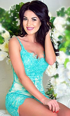 Sentimental bride Tat'yana from Kharkov (Ukraine), 33 yo, hair color black