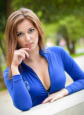 Kind bride Elena from Kharkov (Ukraine), 24 yo, hair color brown-haired