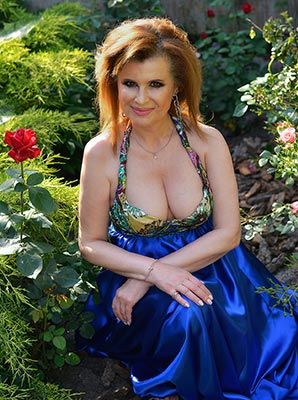 Selfconfident lady Marianna from Kharkov (Ukraine), 59 yo, hair color red-haired