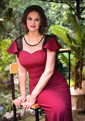Kind woman Oksana from Kharkov (Ukraine), 51 yo, hair color dark brown