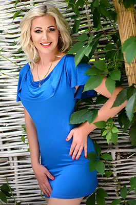 Tenderhearted lady Karina from Kharkov (Ukraine), 41 yo, hair color blonde