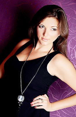 Serious lady Yana from Kharkov (Ukraine), 40 yo, hair color chestnut