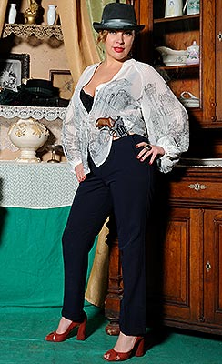 Energetic bride Elena from Odessa (Ukraine), 44 yo, hair color blonde