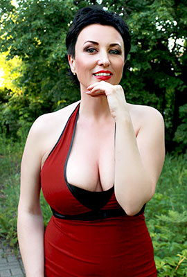 Active woman Tat'yana from Kharkov (Ukraine), 45 yo, hair color black