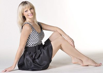 Affectionate woman Larisa from Kharkov (Ukraine), 44 yo, hair color blonde