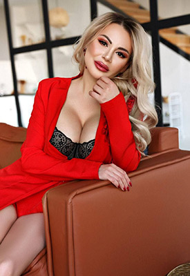 Sexual wife Yanitta from Kiev (Ukraine), 33 yo, hair color blonde
