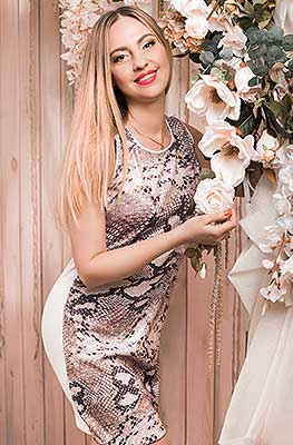 Strong bride Anna from Kharkov (Ukraine), 39 yo, hair color blonde