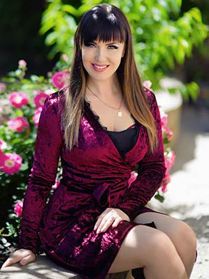 Active bride Dar'ya from Kharkov (Ukraine), 38 yo, hair color brown-haired