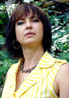 Diplomatic lady Yuliya from Kharkov (Ukraine), 53 yo, hair color brown-haired