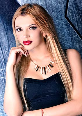 Active bride Tat'yana from Kharkov (Ukraine), 27 yo, hair color blonde