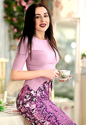 Sensitive lady Angelina from Kharkov (Ukraine), 26 yo, hair color brunette