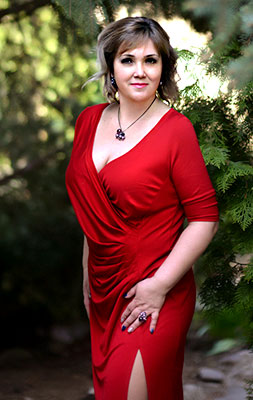 Cheery bride Elena from Kharkov (Ukraine), 43 yo, hair color brown