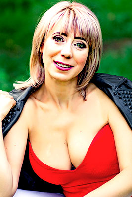 Selfsufficient woman Yuliya from Melitopol (Ukraine), 44 yo, hair color blonde