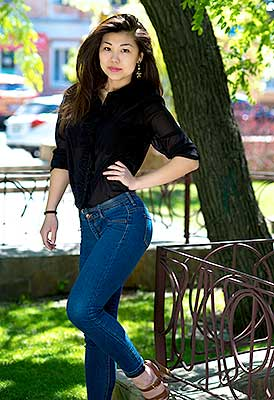 Friendly girl Yana from Kherson (Ukraine), 26 yo, hair color black