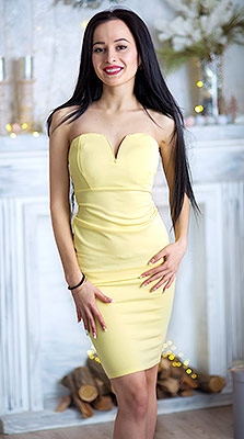 Cheerful bride Alina from Nikolaev (Ukraine), 25 yo, hair color black