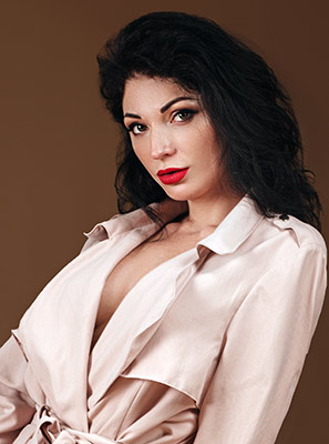 Soft lady Natal'ya from Kherson (Ukraine), 37 yo, hair color brunette