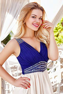 Open lady Katerina from Kherson (Ukraine), 25 yo, hair color blonde